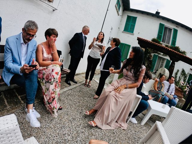 Il matrimonio di Marco e Camilla a Vergiate, Varese 11