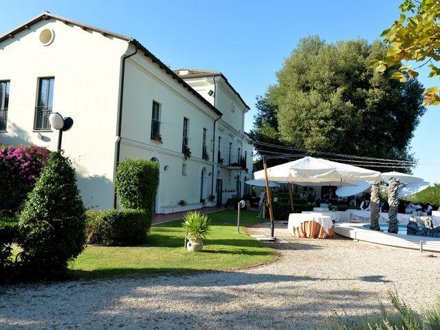 Il matrimonio di Lucia e Stefano a Mosciano Sant'Angelo, Teramo 11