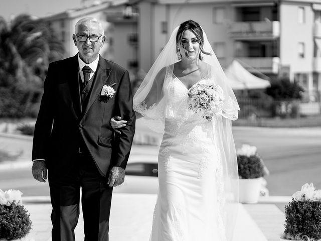 Il matrimonio di Vincenzo e Claudia a Campomarino, Campobasso 12