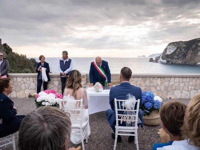Il matrimonio di Nicolò e Martina a Ponza, Latina 17