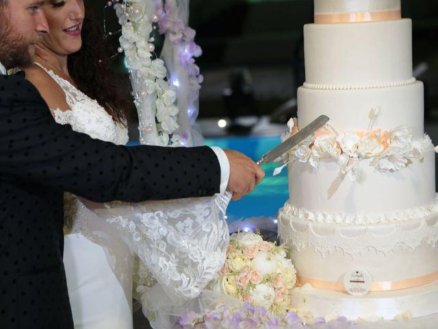 Il matrimonio di Laura e Michele a Torre del Greco, Napoli 12