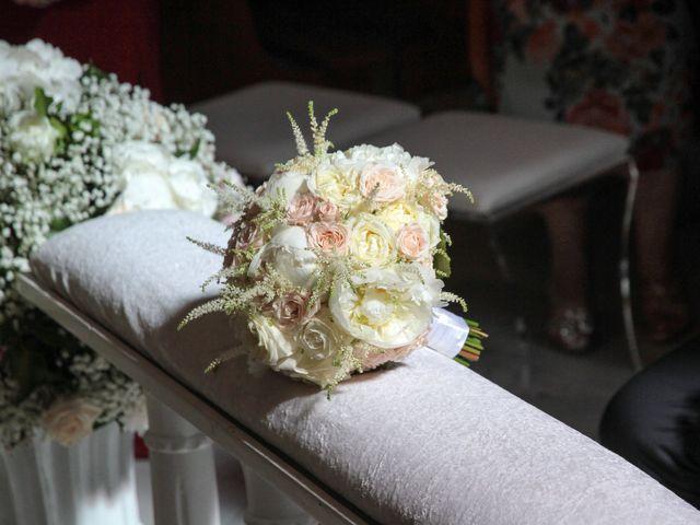 Il matrimonio di Laura e Michele a Torre del Greco, Napoli 20