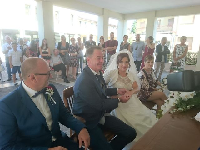 Il matrimonio di Yvan e Dolores  a Azzano Decimo, Pordenone 12
