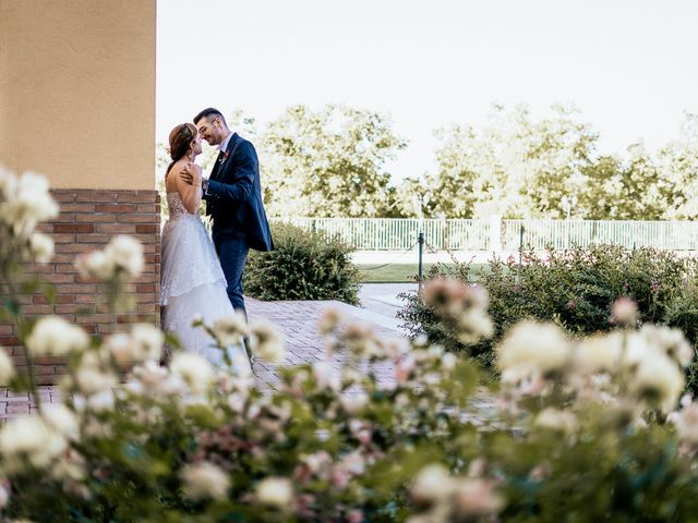 Il matrimonio di Simone e Simona a Tocco da Casauria, Pescara 35