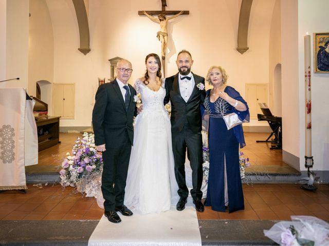 Il matrimonio di Francesco e Lucia a Montespertoli, Firenze 32