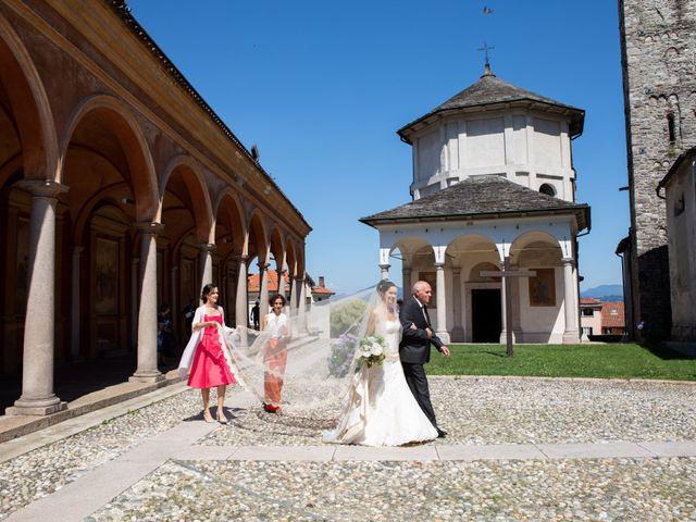 Il matrimonio di Marcello e Elisabetta a Angera, Varese 28