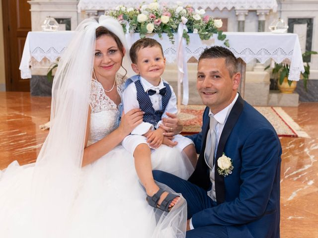 Il matrimonio di Cristian e Andrea Silvia a Montenero di Bisaccia, Campobasso 35