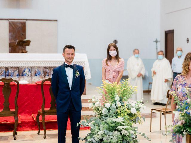 Il matrimonio di Matteo e Elena a Lido di Camaiore, Lucca 32