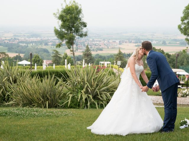 Il matrimonio di Fabio e Sabrina a Castel San Pietro Terme, Bologna 31