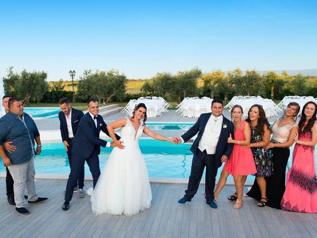 Il matrimonio di Donato e Angela a Castelnuovo della Daunia, Foggia 4