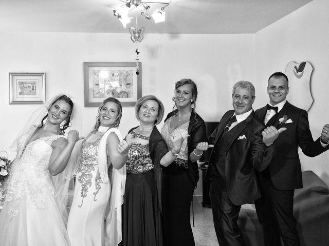 Il matrimonio di Donato e Angela a Castelnuovo della Daunia, Foggia 12
