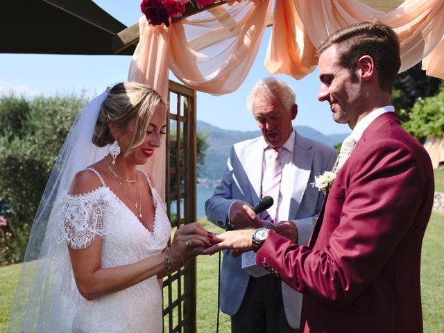 Il matrimonio di Clayton e Lara a Laveno-Mombello, Varese 38