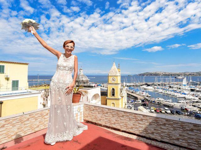 Il matrimonio di Roberto e Mariangela a Procida, Napoli 8