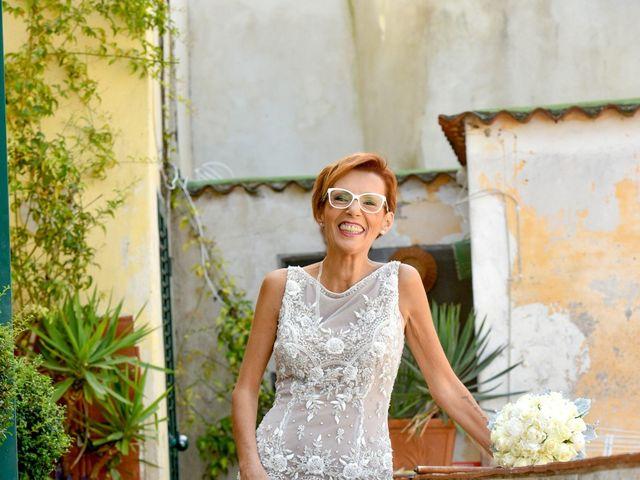 Il matrimonio di Roberto e Mariangela a Procida, Napoli 14