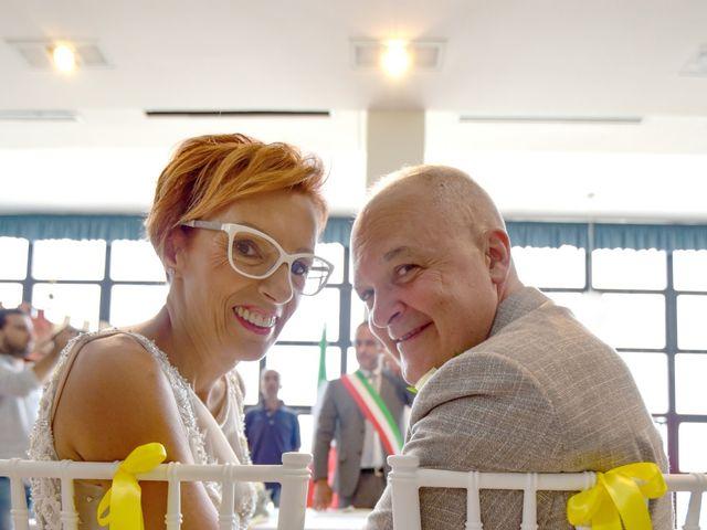 Il matrimonio di Roberto e Mariangela a Procida, Napoli 25