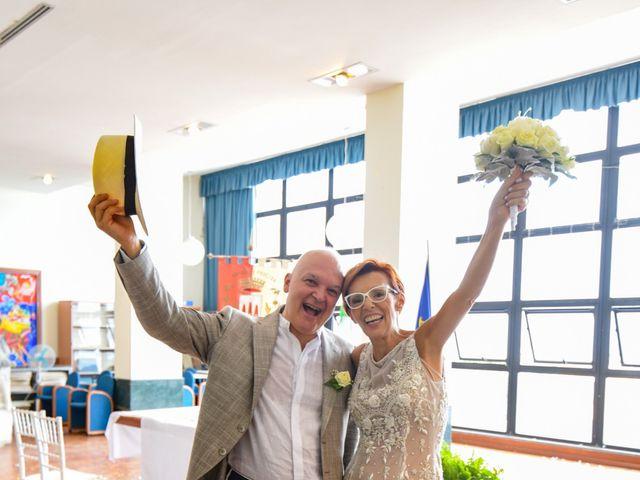 Il matrimonio di Roberto e Mariangela a Procida, Napoli 27