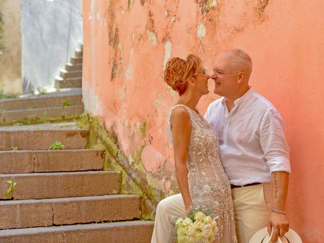 Il matrimonio di Roberto e Mariangela a Procida, Napoli 31