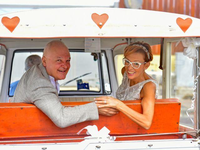 Il matrimonio di Roberto e Mariangela a Procida, Napoli 34