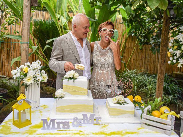Il matrimonio di Roberto e Mariangela a Procida, Napoli 39