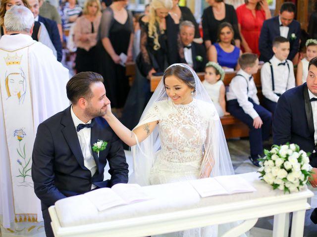 Il matrimonio di Raffaella e Vincenzo a Napoli, Napoli 30