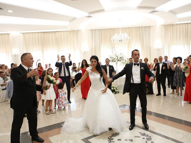 Il matrimonio di Michele e Marilena a Ginosa, Taranto 5