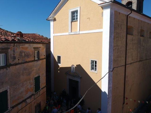 Il matrimonio di Samuele e Ilaria a Fosdinovo, Massa Carrara 3