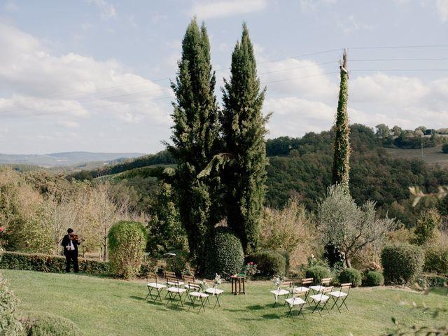 Il matrimonio di Joshua e Ulrike a Chiusdino, Siena 19
