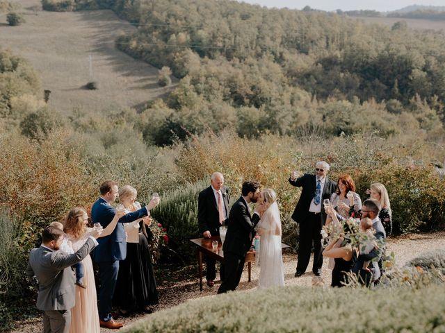 Il matrimonio di Joshua e Ulrike a Chiusdino, Siena 42