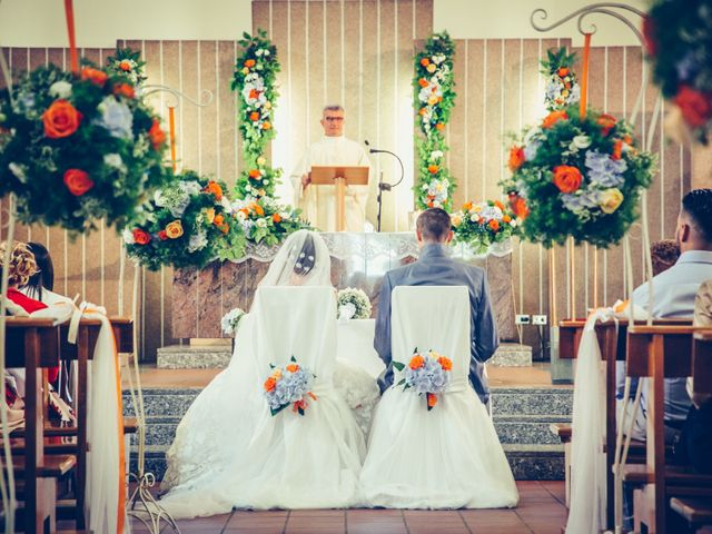 Il matrimonio di Luca e Debora a Desio, Monza e Brianza 14