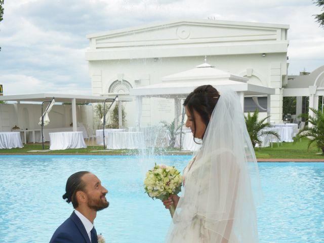 Il matrimonio di Paolo e Elisa a Casorezzo, Milano 17