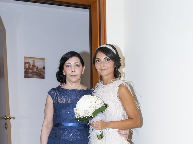 Il matrimonio di Massimilano e Elisabetta a Luino, Varese 4