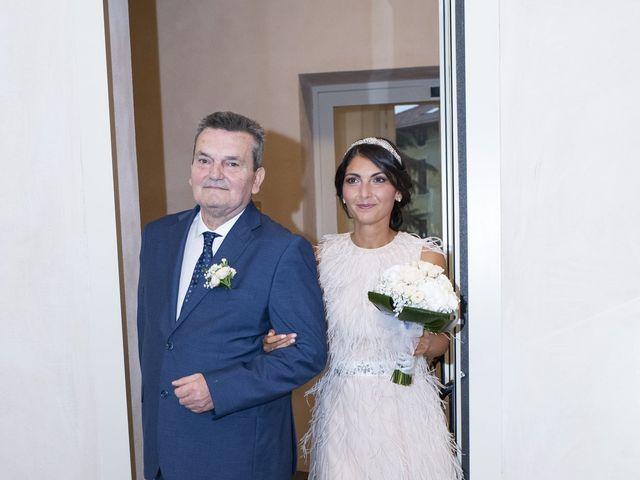 Il matrimonio di Massimilano e Elisabetta a Luino, Varese 8