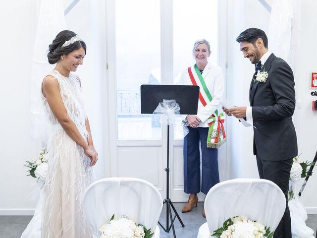 Il matrimonio di Massimilano e Elisabetta a Luino, Varese 11