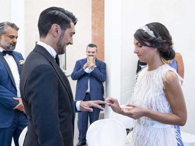 Il matrimonio di Massimilano e Elisabetta a Luino, Varese 13