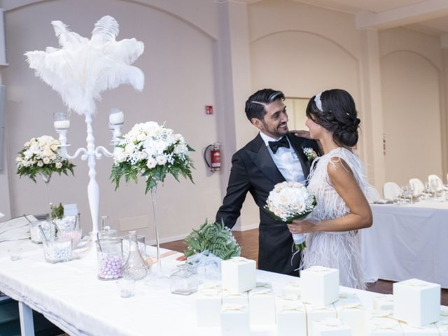 Il matrimonio di Massimilano e Elisabetta a Luino, Varese 19