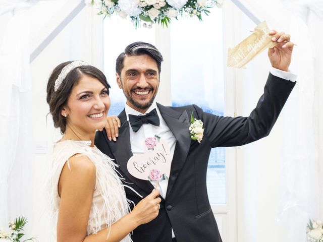 Il matrimonio di Massimilano e Elisabetta a Luino, Varese 20