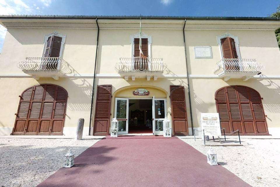Villa Silvia-Carducci 3d tour
