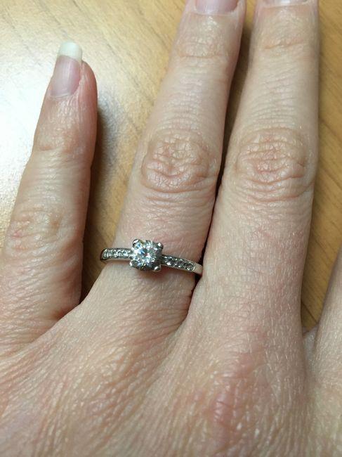 E ora mostraci una foto del tuo anello di fidanzamento! 5