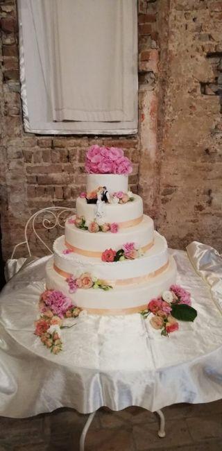 Torta nozze con fiori 4