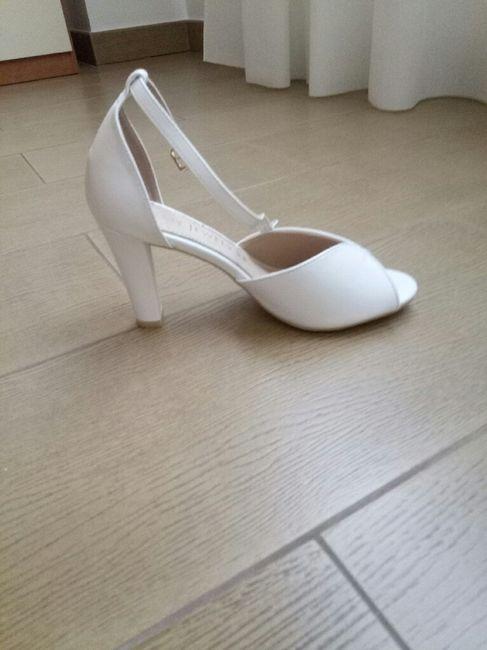 Come saranno le vostre scarpe da sposa? 13