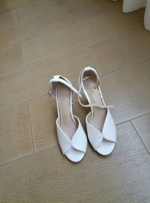 Come saranno le vostre scarpe da sposa? 14