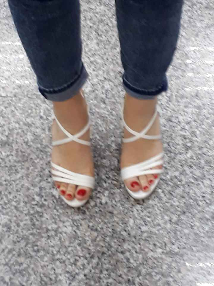 Dubbio scarpe... - 2