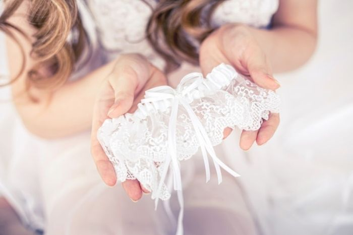Giarrettiera: bianca o colorata? 1