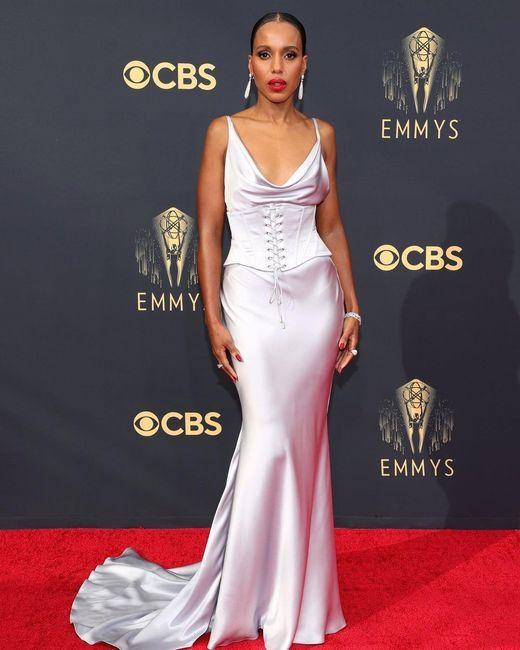 Emmy Awards 2021: i look del red carpet 👇 - 4