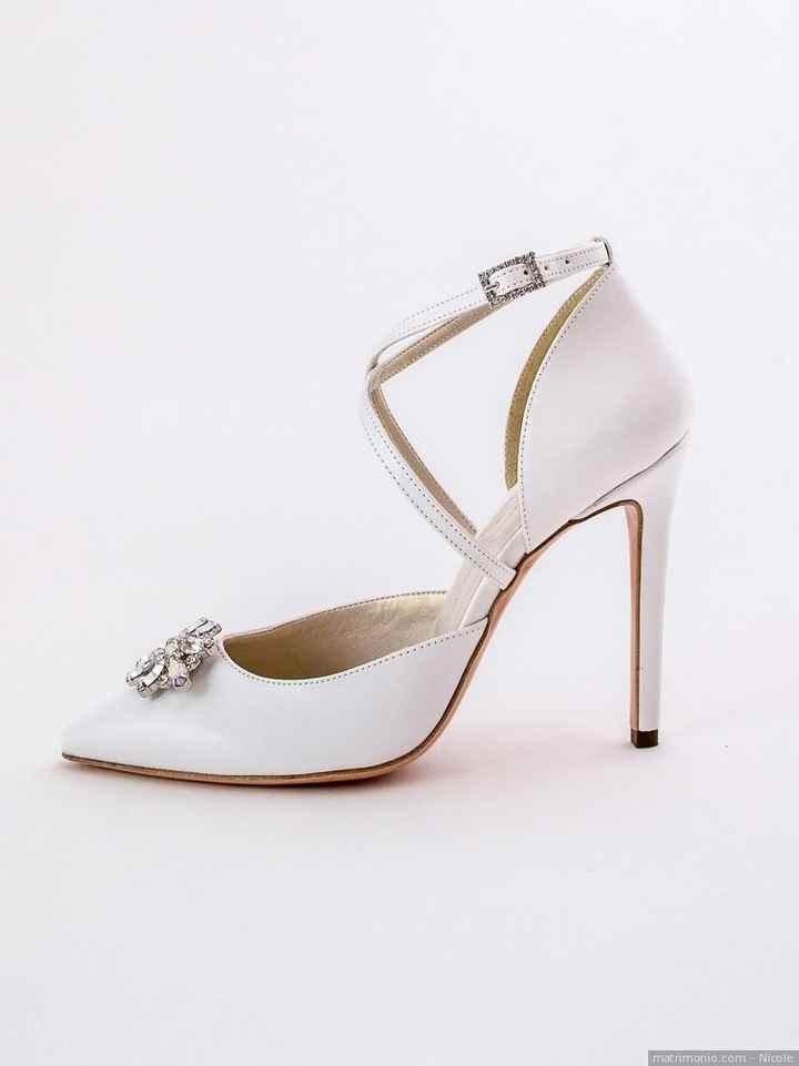 Scarpe: bianche o colorate? - 1
