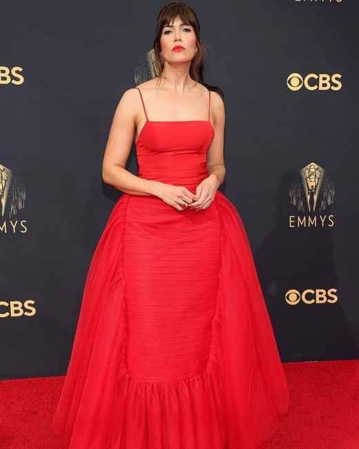 Emmy Awards 2021: i look del red carpet 👇 - 5