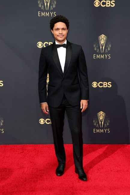 Emmy Awards 2021: i look del red carpet 👇 - 11