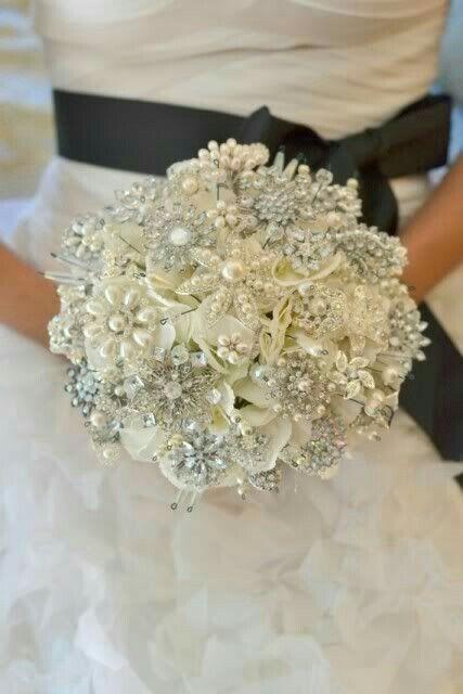 Bouquet Sposa Gioiello.Bouquet Gioiello Organizzazione Matrimonio Forum Matrimonio Com