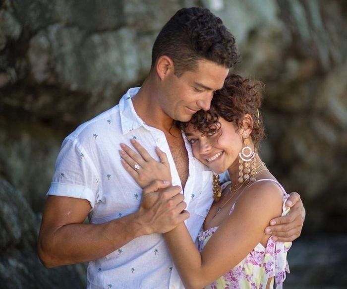 La proposta di matrimonio di Sarah Hyland di Modern Family 4