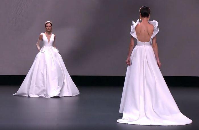 Scopri la collezione 2021 di Jesus Peiro per la Valmont Barcelona Bridal Fashion Week 2